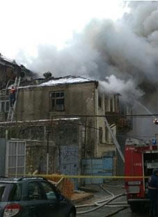 თეატრალური საზოგადოების ოფისს ცეცხლი გაუჩნდა