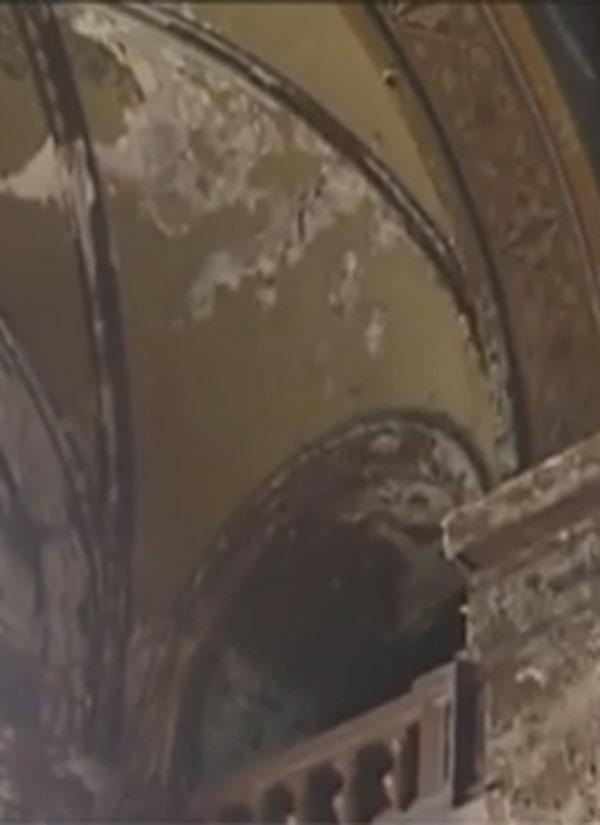 ბათუმის ღვთისმშობლის შობის ტაძრის ფრესკები ნადგურდება