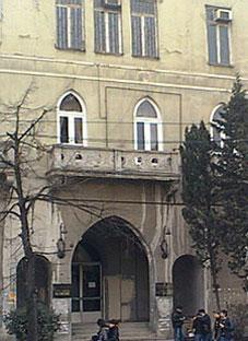 თბილისში კიდევ ერთ უნიკალურ შენობას ანგრევენ