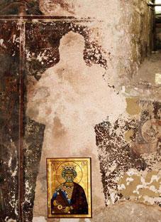 განზრახ განადგურებული ფრესკა ხობის ტაძარში