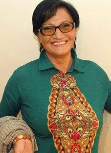 მომღერლების საჩუქარი 70 წლის მარინა ბერიძეს
