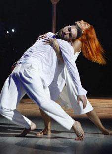 ირაკლი მაქაცარიას არაჩვეულებრივი ცეკვა ნინო ქათამაძის სიმღერაზე