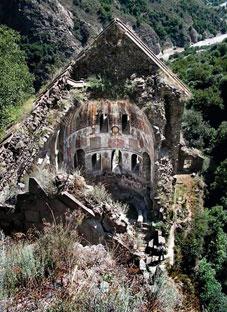 ქობაირის მონასტერი - სომხეთში ქართული მონასტერი ინგრევა