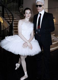 ელენე გლურჯიძის ცეკვა კარლ ლაგერფილდისთვის
