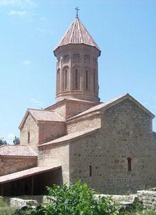 დამახინჯებული იყალთოს აკადემიის ტაძარი
