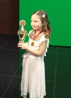 """საესტრადო ანსამბლ """"იმედის"""" 4 წლის სოლისტის ელენეს წარმატება"""