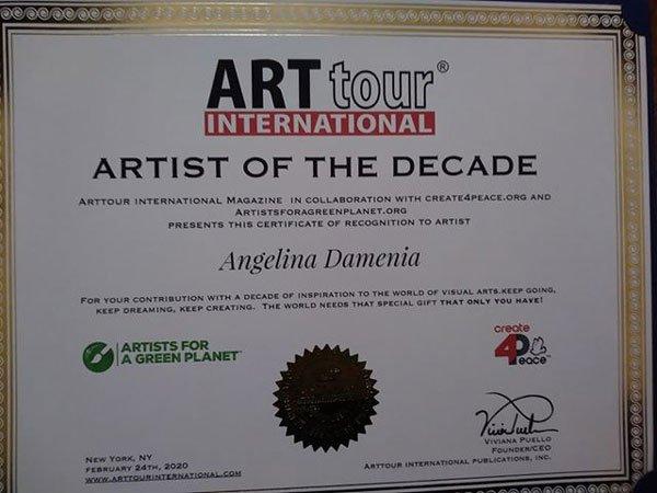 ანგელინა დამენია ნიუ იორკში ათწლეულის მხატვრად აირჩიეს