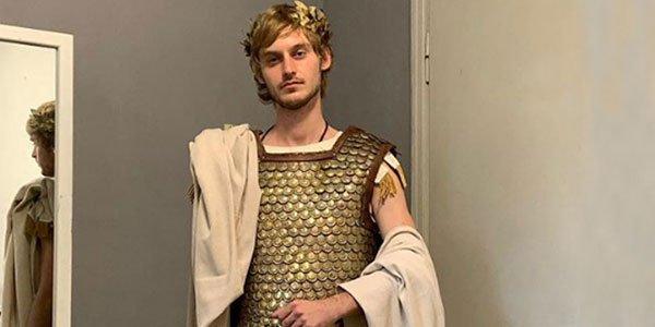 ლუკა ჩიქოვანი რომის იმპერატორის როლში