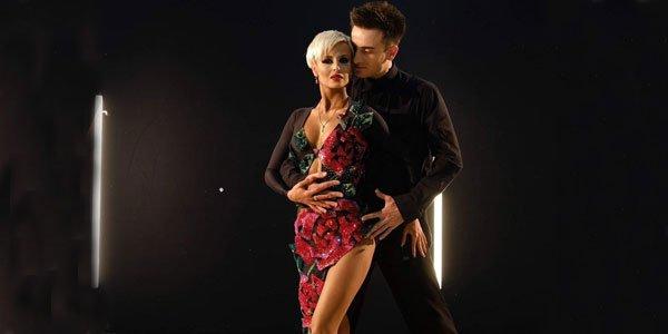 ჯულიანა ბარგნარისა და ოთო ფოლადაშვილის ხალისიანი ცეკვა